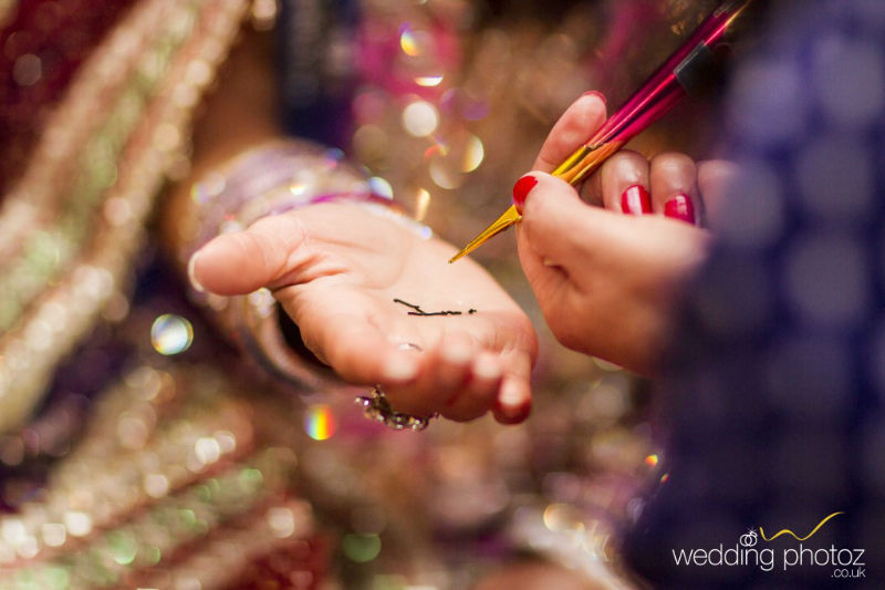 Mendhi photography by wedding photoz